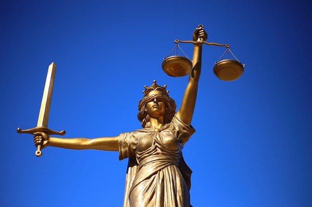 You are currently viewing Qu'est-ce qu'une licence en droit ?